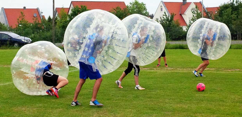 Bubblesoccer erfordert Ausdauer