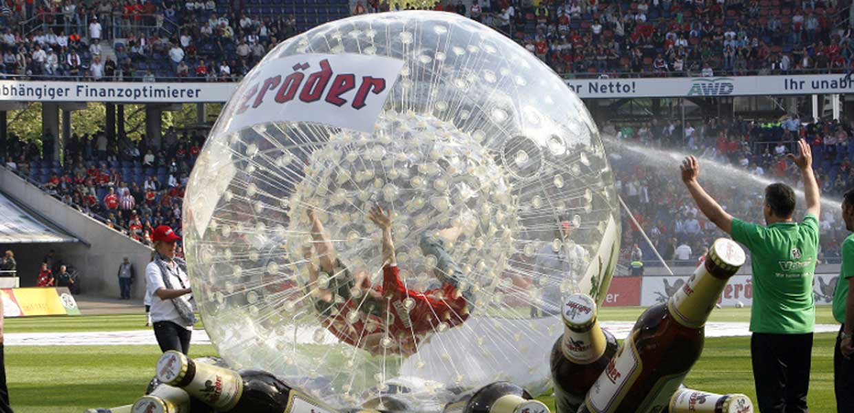 Hasseröder-Promotion bei Hannover 96