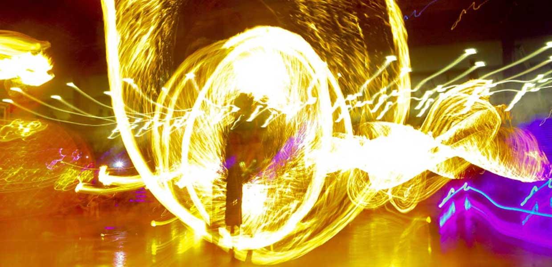 Zorb Feuerspektakel von Un Poco Loco