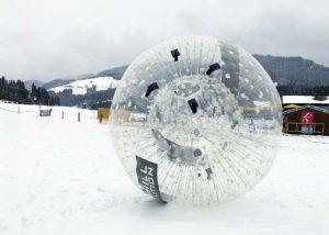 Das Zorb-Angebot umfasst auch spezielle Winter Zorbs für den Einsatz im Schnee